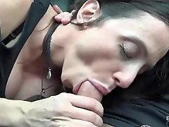 Milf likes to have sex with younger guys